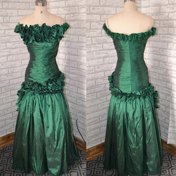 Long Vintage Green Mermaid Sleeveless Zipper Flowers Prom Dresses 2018
