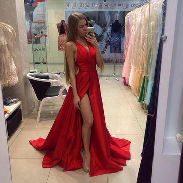 Red Halter High-Slit A-line Satin Prom Dresses 2018