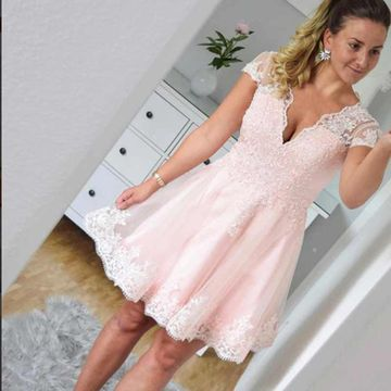 Pink V-neck Capped Sleeves A-line 2018 Lace Homecoming Dress