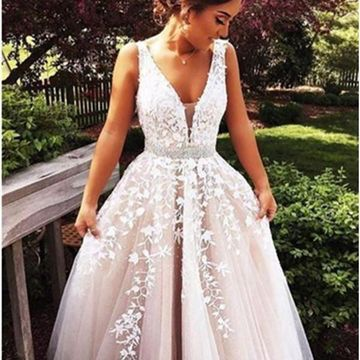 Long Beige/Champagne Ball Gown V-Neck Sleeveless Zipper Appliques Prom Dresses 2019