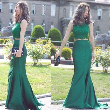 Long Green Mermaid Sleeveless Appliques Prom Dresses 2019 Lace Two Piece