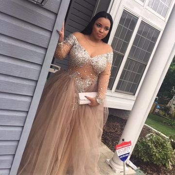 Plus Size Ball Gown Long Sleeves Crystal Detailing Prom Dresses 2020