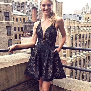 Black Straps A-line 2019 Lace Homecoming Dress Open Back