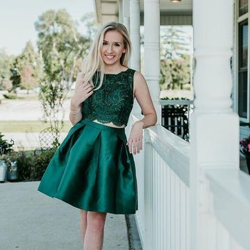 Green Sleeveless Lace 2020 Two Piece Homecoming Dress A-line