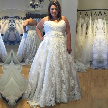 Sweetheart Sleeveless Ruched Lace A-line 2019 Plus Size Wedding Dress