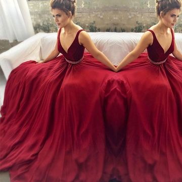 Burgundy Ball Gown Straps Sleeveless Zipper Beading Prom Dresses 2019 V-Neck