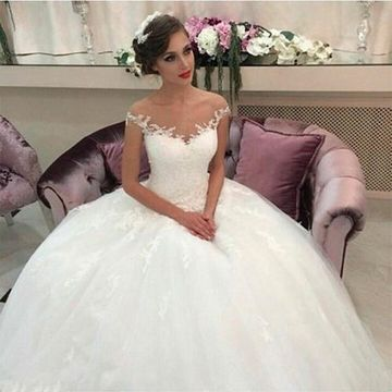 Illusion Round Neck Capped Sleeves Appliques Lace 2019 A-line Wedding Dress Ball Gown