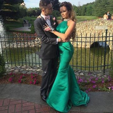 Long Sexy Green Mermaid Halter Sleeveless Backless Crystal Detailing Prom Dresses 2019 Open Back