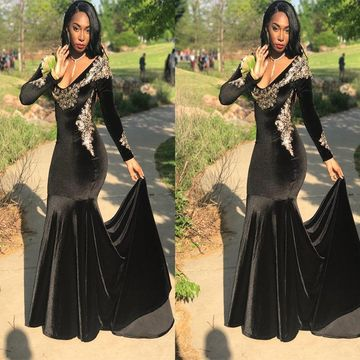 Sexy Black Mermaid Long Sleeves Appliques Prom Dresses 2019 For Short Girls Open Back V-Neck
