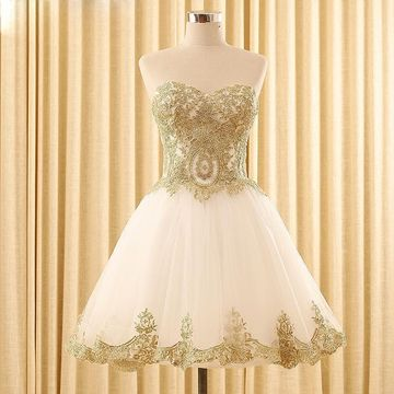 White Sweetheart Appliques Lace A-line 2019 Homecoming Dress Sleeveless