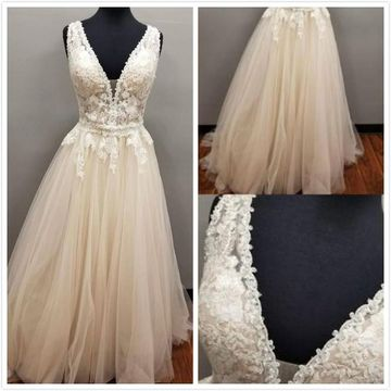 Formal Ivory A-line Sleeveless Natural Waist Appliques Prom Dresses 2019