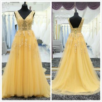 Elegant Yellow A-line Sleeveless Natural Waist Appliques Prom Dresses 2019