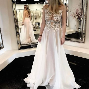 Sexy White A-line Sleeveless Natural Waist Appliques Prom Dresses 2020